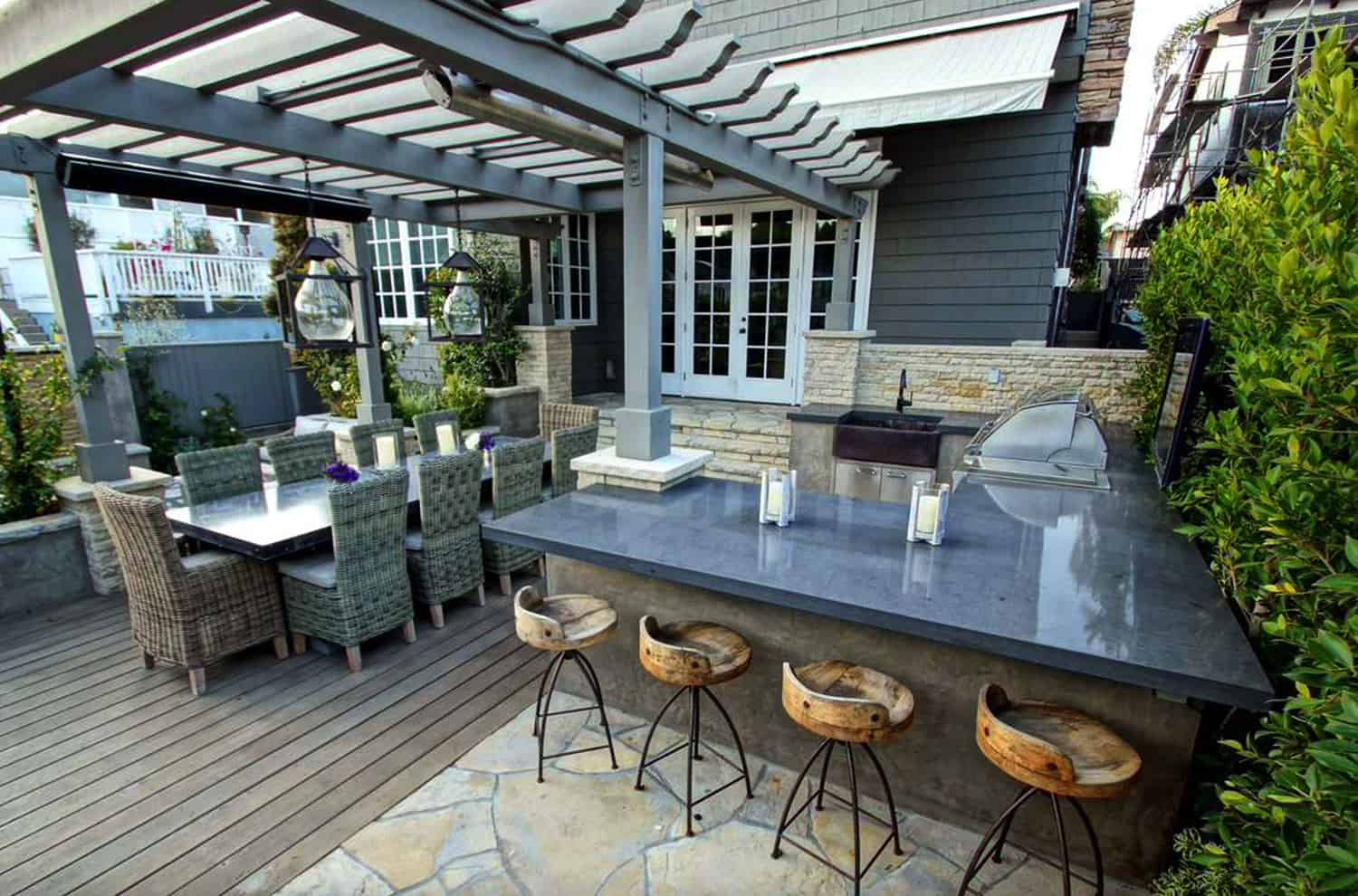 Open-dining-and-kitchen grill bar with pergola