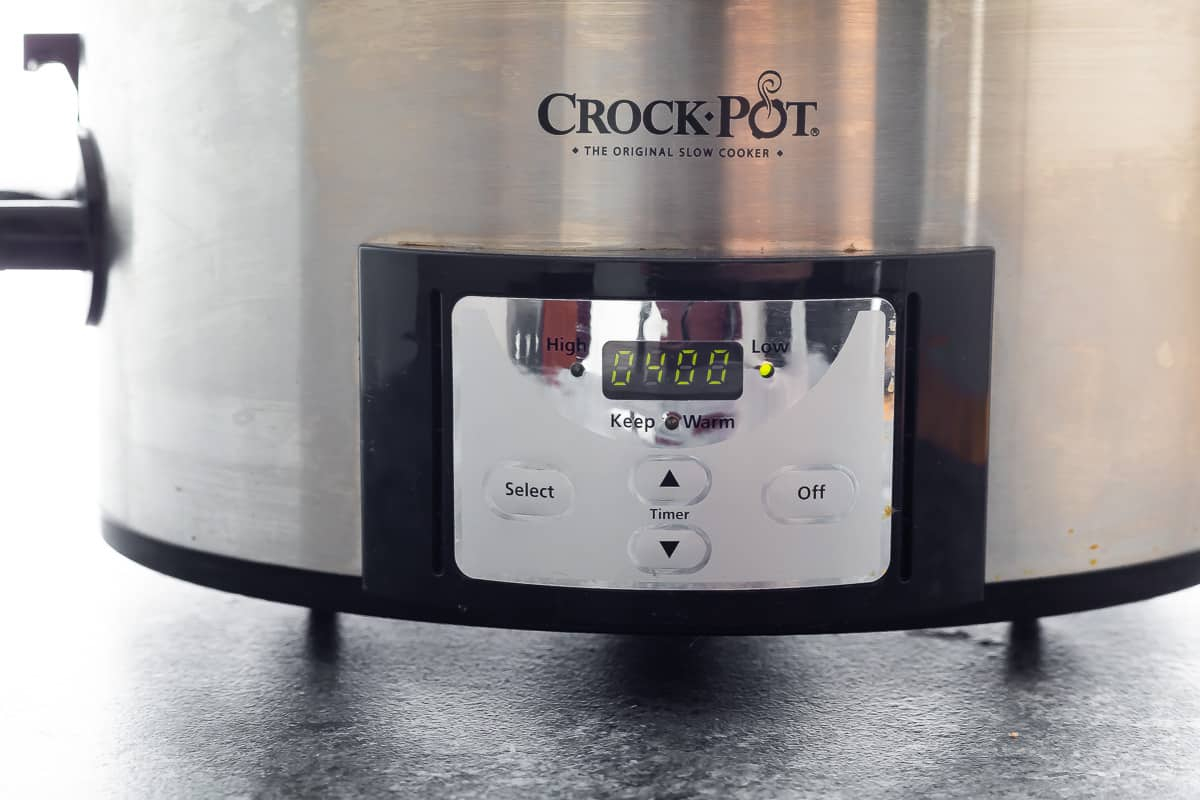 Slow cooker with 4 hours on the timer