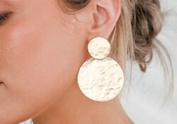 20+ beautiful gold statement earrings, perfect for summer