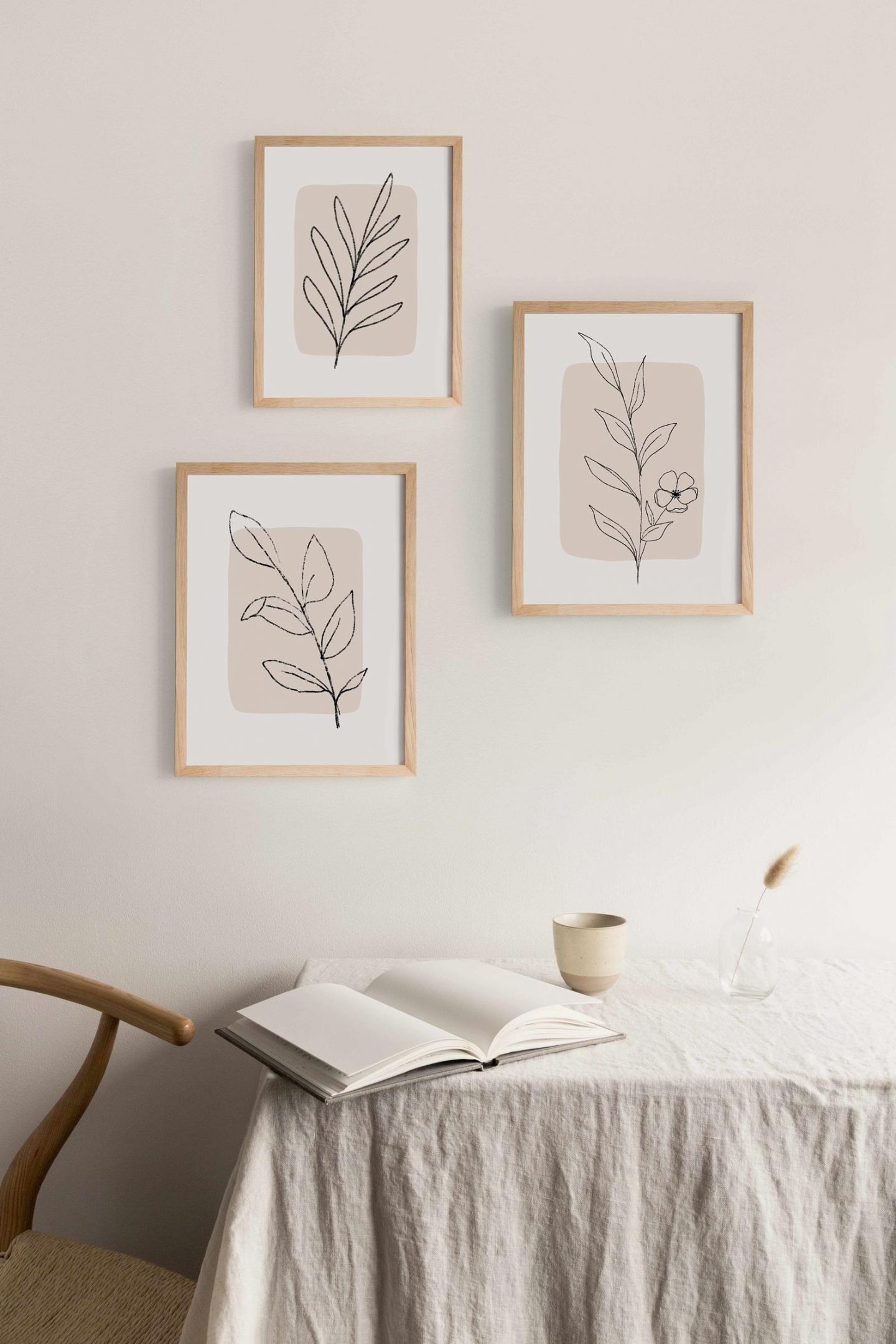minimalist wall decoration with plants and leaves