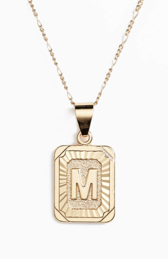 Jewelry gifts that every girl would want from her boyfriend: gold necklaces with initials