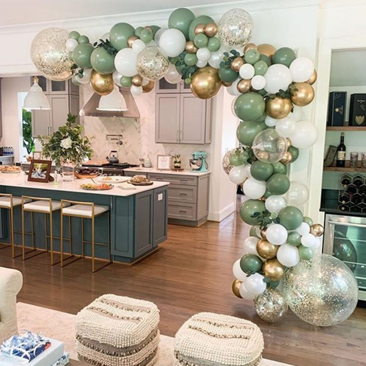 Birthday balloon garland in green, white and gold