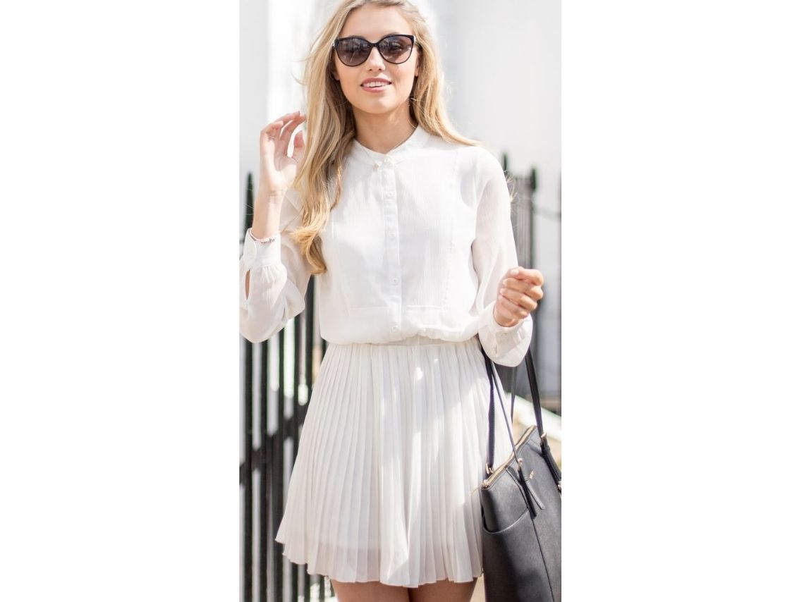 Pleated skirt outfits for work