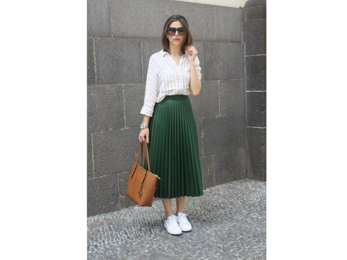 Pleated skirt for the office