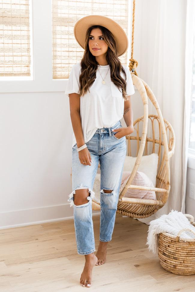 Sweet basic outfits with mom jeans
