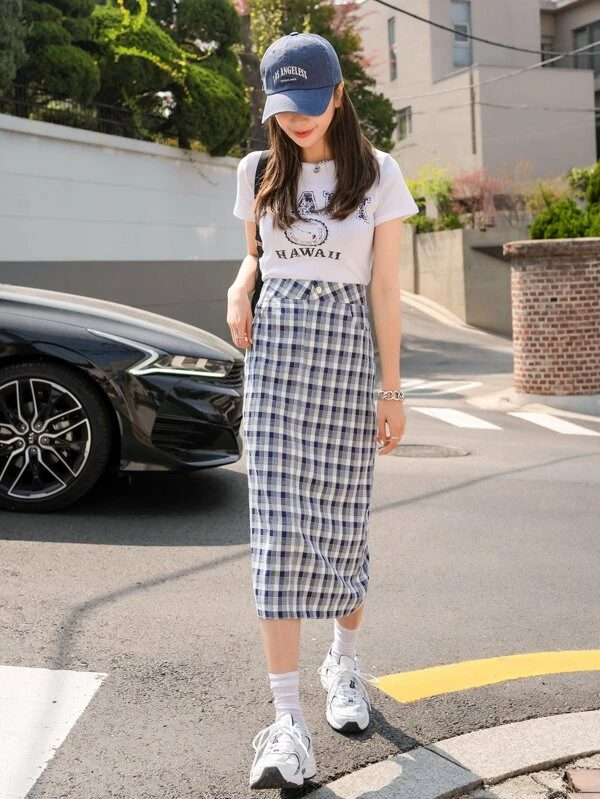 Simple t-shirt and long plaid skirt for back-to-school outfits