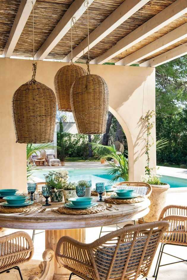 Best decorated verandas with pieces of willow